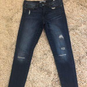 Banana Republic distressed jeans size 27 petite